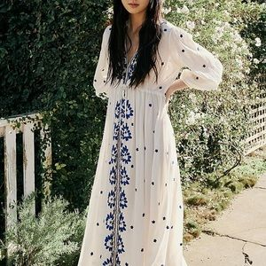 Free people embroidered fable midi dress - black